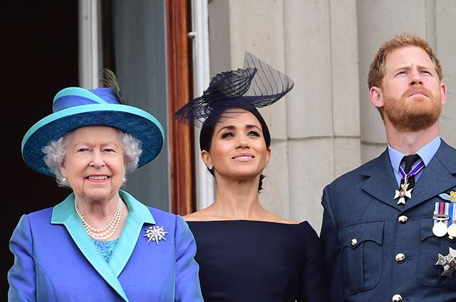Меган Маркл, принц Гарри, королева Елизавета II, Кейт Миддлтон и другие посетили парад ВВС