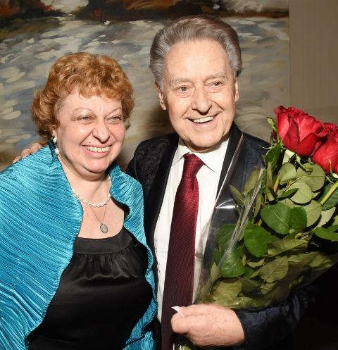 41920 «Он мне помогает»: вдова Андрея Дементьева не может смириться с его смертью
