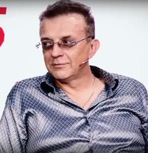 42286 Рома Жуков сделал ДНК-тесты детям втайне от жены