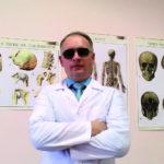 41878 Слепой массажист лечит детей саутизмом