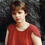 41332 Состояние психически больной дочери создателя фильма «Я шагаю по Москве» резко ухудшилось