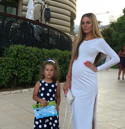 42352 Таня Терешина ждет второго ребенка
