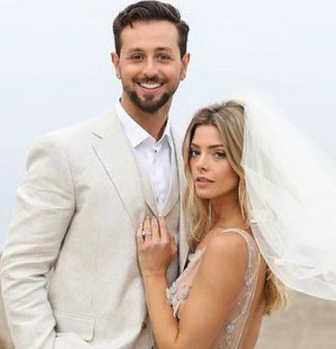 Звезда «Сумерек» вышла замуж спустя пять лет отношений