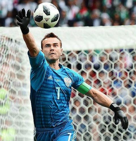 Звезды поздравили сборную с выходом в 1/4 финала Чемпионата мира