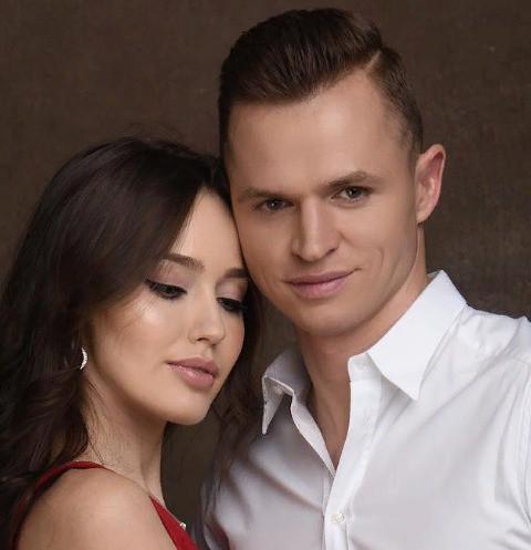 42788 Дмитрий Тарасов опубликовал снимок голой груди Анастасии Костенко