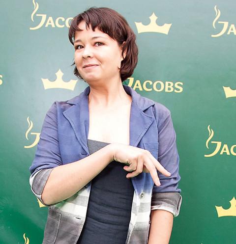 Звезда сериала «Счастливы вместе» Юлия Захарова выходит замуж во второй раз