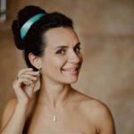 Кейт Бекинсейл в расшитом камнями платье произвела фурор на премьере фильма «Любовь и дружба» в Довиле
