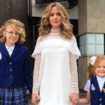 Наталья Ионова, Юлия Барановская, Ани Лорак и другие звезды проводили детей в школу