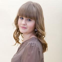 Эмилия Кларк поделилась в интервью своим взглядом на женскую привлекательность: видео