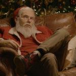 «В каждом из нас живет олень!»: Михаил Шац снялся в образе Санта-Клауса