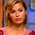 44291 Виктория Боня появилась в эфире шоу Елены Малышевой в откровенном наряде