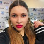 44549 Солистка группы «Краски» подает в суд на салон красоты