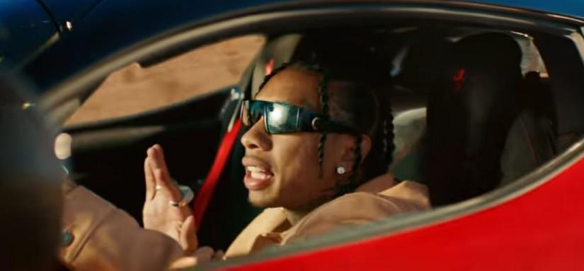 44525 Tyga — Floss In The Bank, новый клип