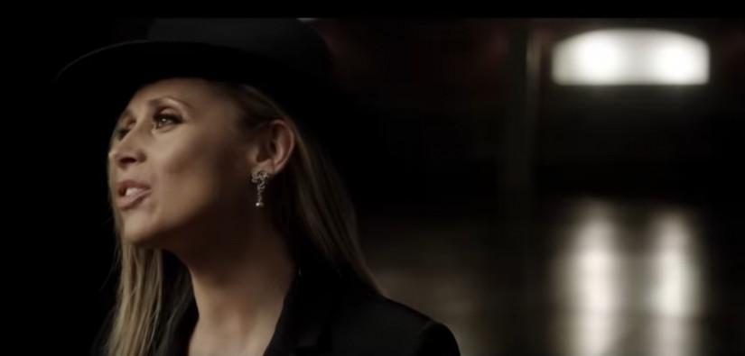 45267 Lara Fabian — PAR AMOUR, новый клип