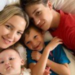45949 Все в сборе: Кейт Хадсон поделилась милым снимком с детьми