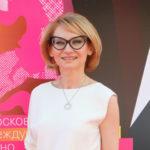 46181 Эвелина Хромченко расплакалась в эфире «Модного приговора», вспомнив про деда-ветерана