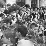 46779 Фото выпускниц школы в 1970-х годах навевают ностальгию
