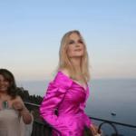 46903 52-летняя Николь Кидман удивила поклонников «ботоксным» лицом на кинофестивале