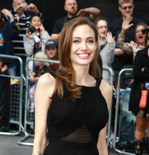 47551 Анджелина Джоли экономит на одежде и еде для детей