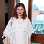48047 Анна Цуканова-Котт вышла замуж