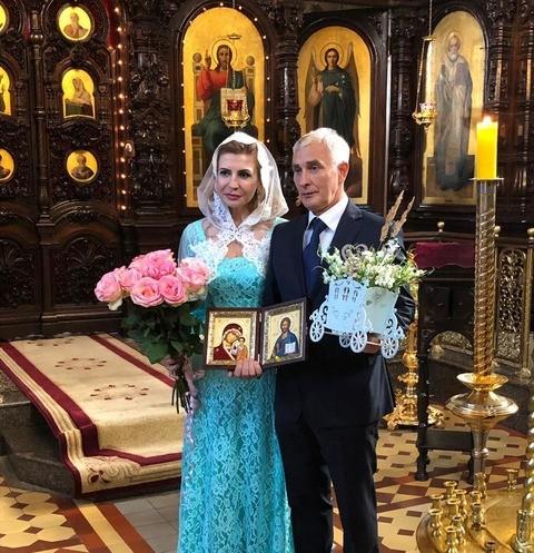 47989 Ирина Агибалова обвенчалась с мужем