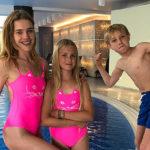 Наталья Водянова показала семейные фото и поздравила сына Виктора с днем рождения: «Мне очень сильно повезло»
