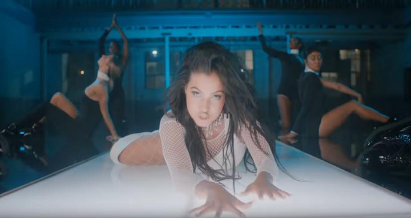48143 Tiësto and Mabel — God Is A Dancer, новый клип