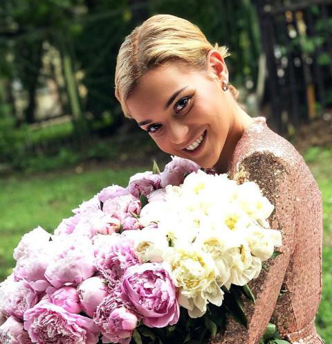 48541 Аделина Сотникова заплатила гадалке два миллиона, чтобы вернуть бойфренда