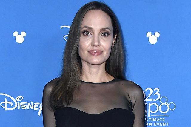 """48575 Анджелина Джоли о том, почему удалила обе груди: """"Я хотела увидеть, как растут мои дети"""""""