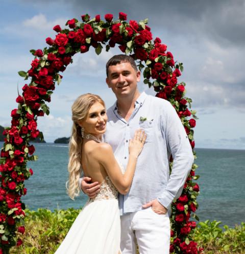 48577 Участники «ДОМа-2» Розалия Райсон и Андрей Шабарин сыграли свадьбу на Сейшелах