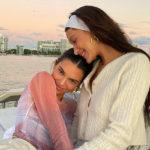 49139 Друзья, яхта и закат: Кендалл Дженнер и Белла Хадид вместе отдыхают в Майами