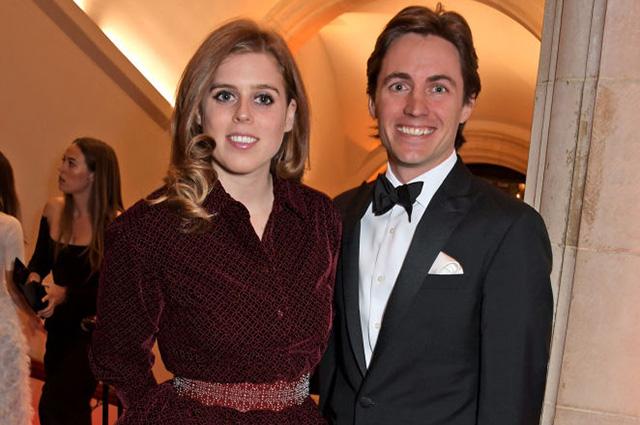49186 Принцесса Беатрис отменила вечеринку в честь помолвки из-за секс-скандала с ее отцом
