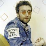 49280 Сломанные очки Джона Леннона продали почти за 200 тысяч долларов