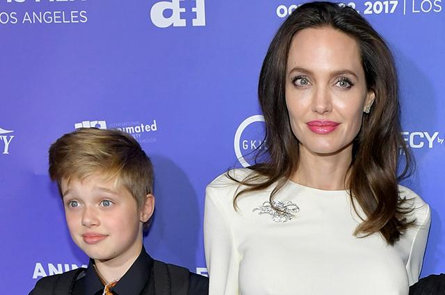 49129 СМИ: 13-летняя дочь Анджелины Джоли и Брэда Питта Шайло сменила имя на мужское