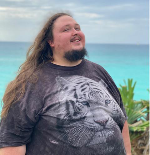 50026 242-килограмовый сын Никаса Сафронова VS идеальные тела: Лука сделал провокационную фотосессию на море