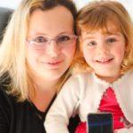 50338 Двухлетняя малышка спасла свою маму