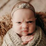 50222 Эта девочка одним только взглядом показала всем, что она думает про фотосессии новорожденных