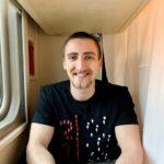 52798 Актер Павел Устинов устроился доставщиком еды из-за пандемии коронавируса