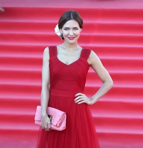 52651 Фото Екатерины Климовой в чулках и в платье без бюстгальтера