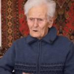 51644 Мужчина приютил 100-летнюю бездомную женщину-ветерана, которую обманом лишили жилья