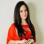 57121 16-летняя звезда TikTok из Индии Сия Каккар покончила с собой