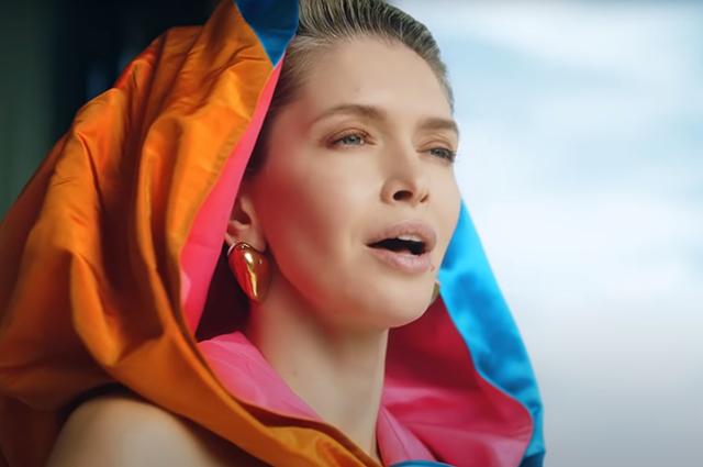 "Вера Брежнева в клипе ""Вечериночка"""