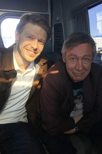 Сын артиста Никита на днях навещал отца, находящегося под домашним арестом