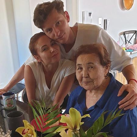 Ляйсан Утяшева с Павлом Волей и своей бабушкой