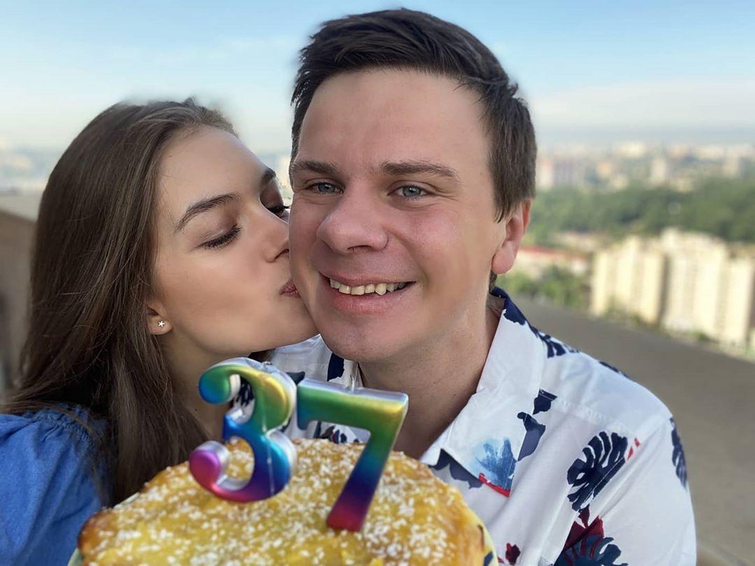 Дмитрию Комарову – 37: чем порадовала телеведущего его супруга в ...