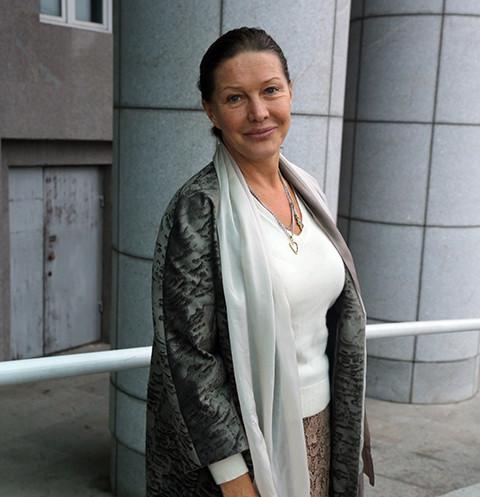 55637 Елена Проклова: «Хочу скорее стать прабабушкой. Что-то у меня девчонки поздние, не хотят рожать»