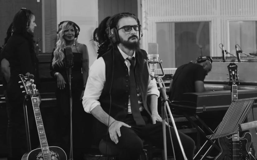 53190 Ricardo Arjona — El Amor Que Me Tenía, новый клип