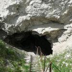 57097 Супруги уже 60 лет живут в пещере и выезжать не собирается