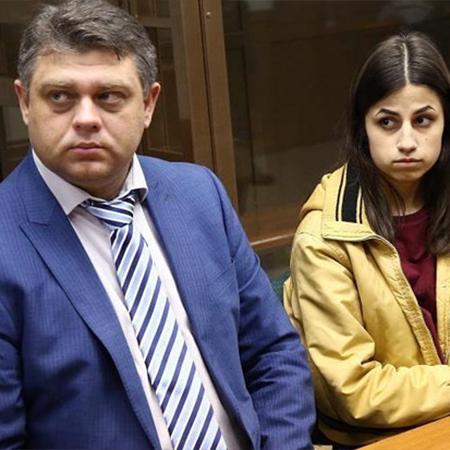 Мария Хачатурян с адвокатом