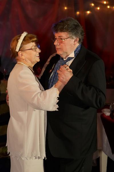 Даже спустя 63 года брака из жизни супругов не исчезла романтика